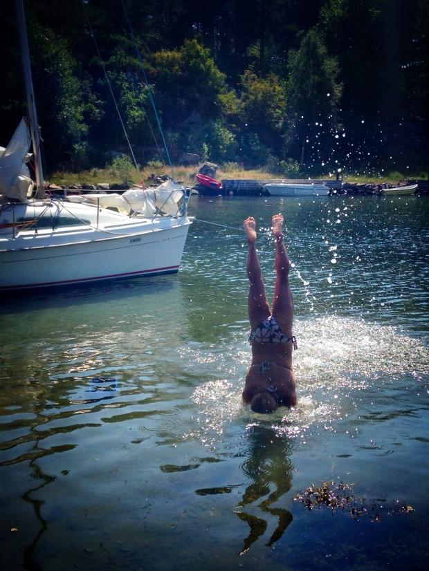 En handstand i vannet må jo testes...