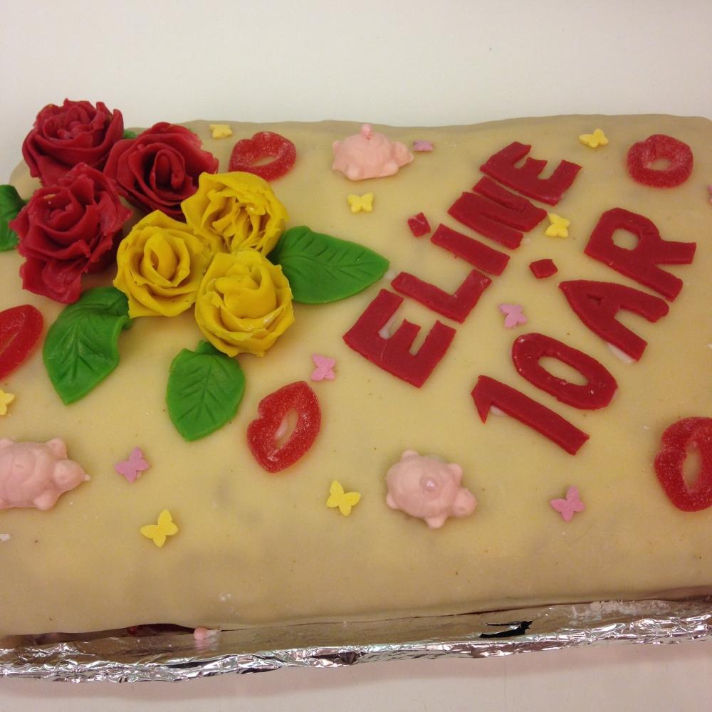 For en perfekt marsipankake/sukkerkake laget av min beste venninne Maria !